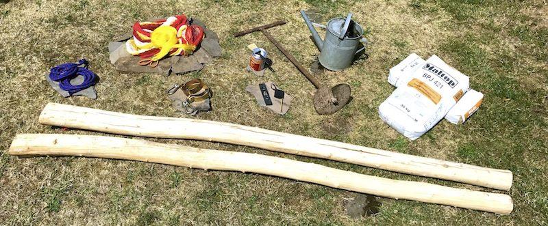 ako zavesiť hojdaciu sieť o drevené stĺpy