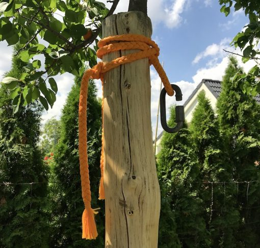 ako zavesiť hojdaciu sieť o stĺp