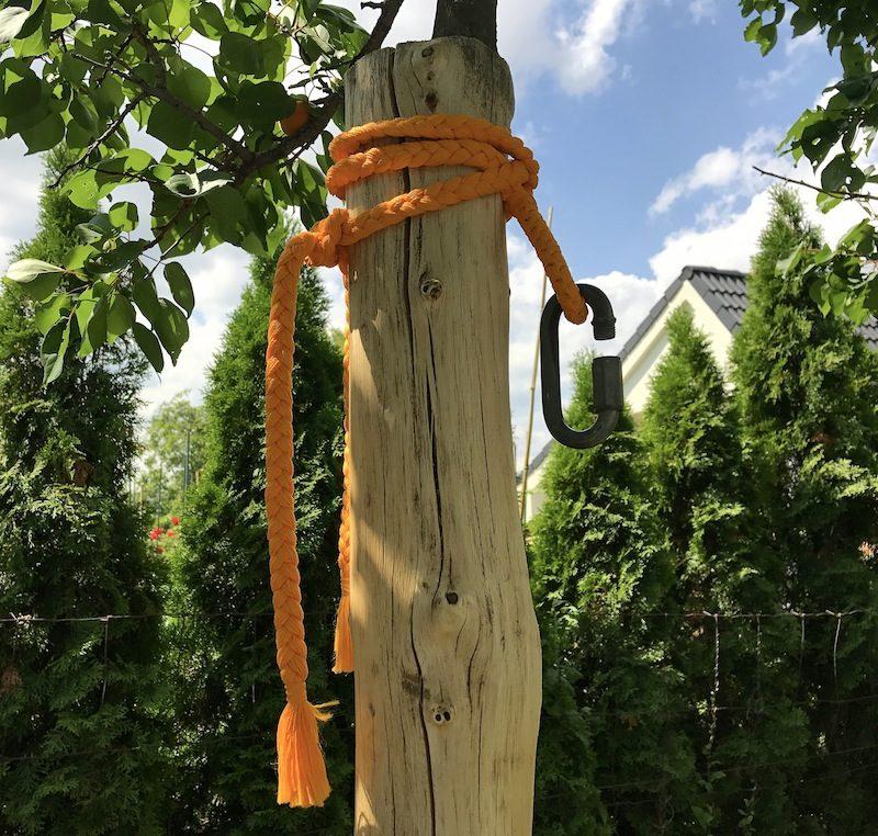návod ako zavesiť hojdaciu sieť o drevené stĺpy