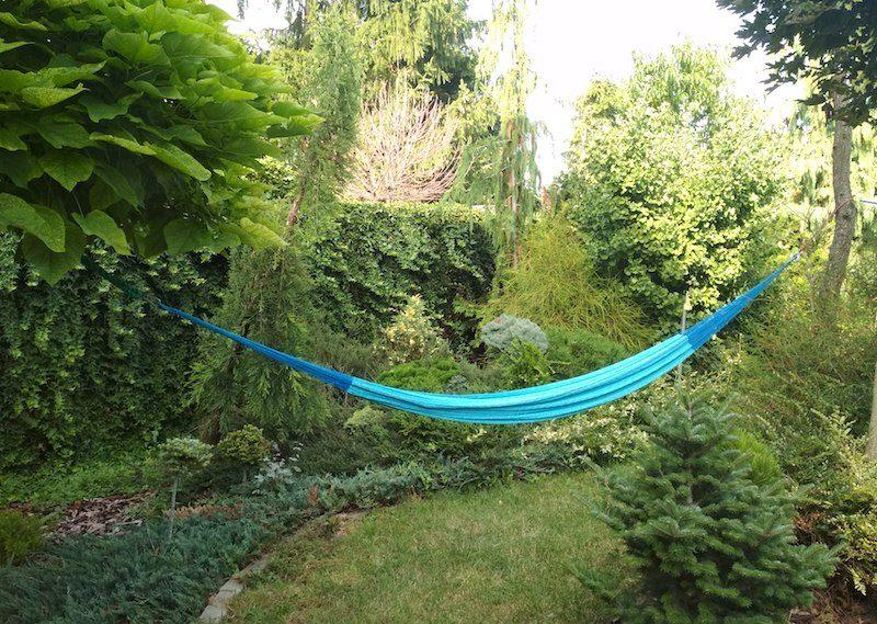 hojdacia siet na zahrade